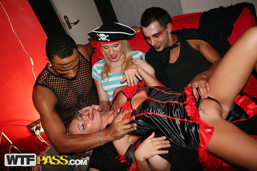 Реальный секс вечеринки, знаменитые зарубежные модели
