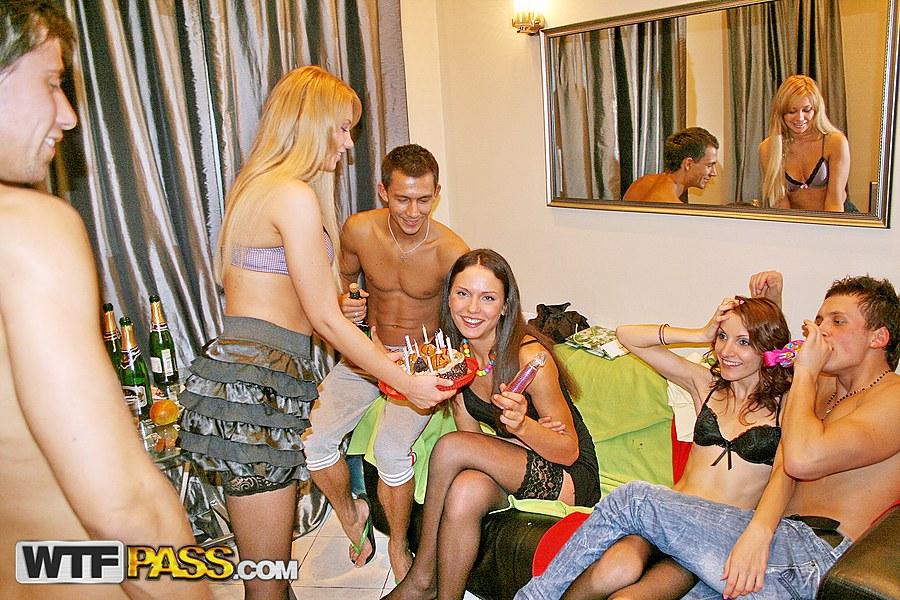 ass-college-girl-go-wild-nude-sex-porn-horney