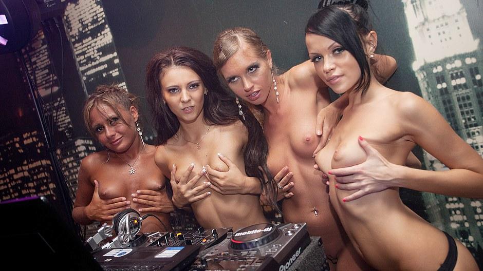 Teen breast pics porn