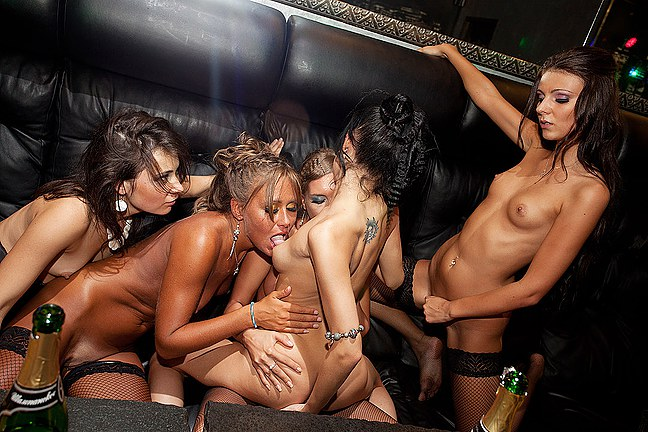 Group-sex-in-private-party