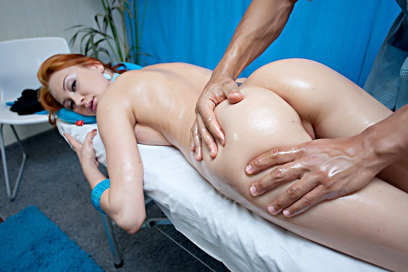 Redhead-girl-in-massage-action