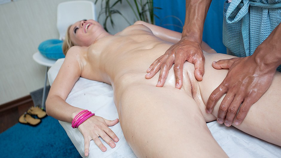 HD massage porn movie with pretty girl