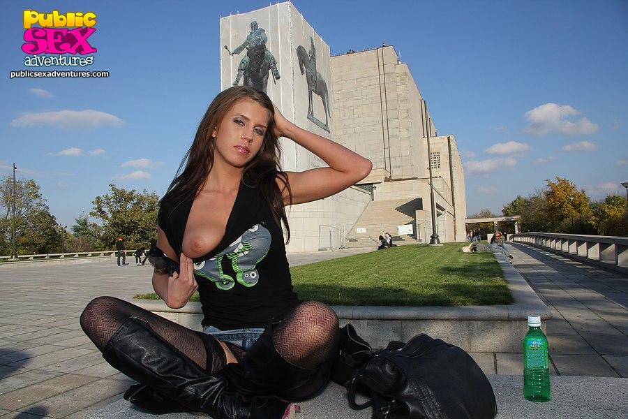 Любительское порно в общественном месте