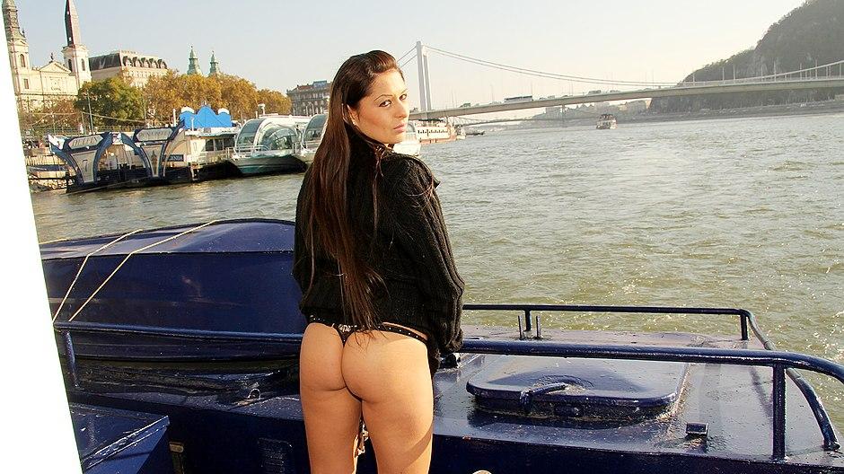 latin babe with big naked boobs fucking